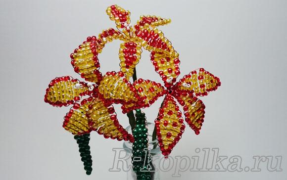 Плетение лилии из бисера