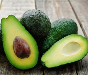 как правильно выбрать спелый авокадо в магазине