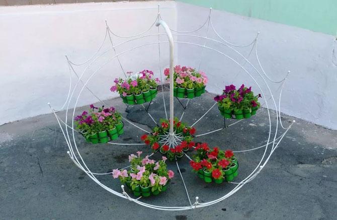 цветы на зонтичном каркасе