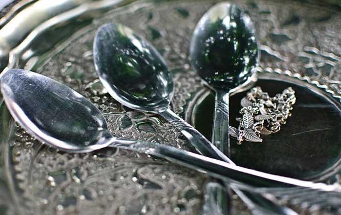 как убрать царапины с серебра в домашних условиях