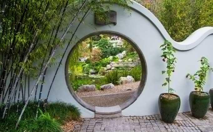 стены в китайском саду